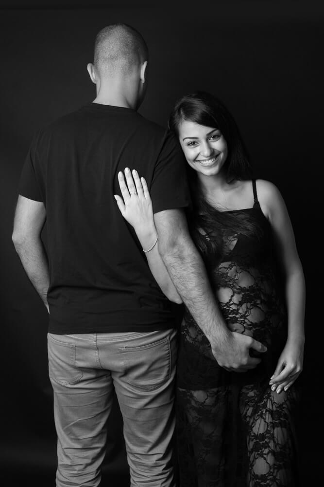 צילום הריון ראשון בסטודיו - צילום; דנה אופיר